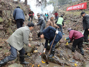 River clean-up in Puxi Village